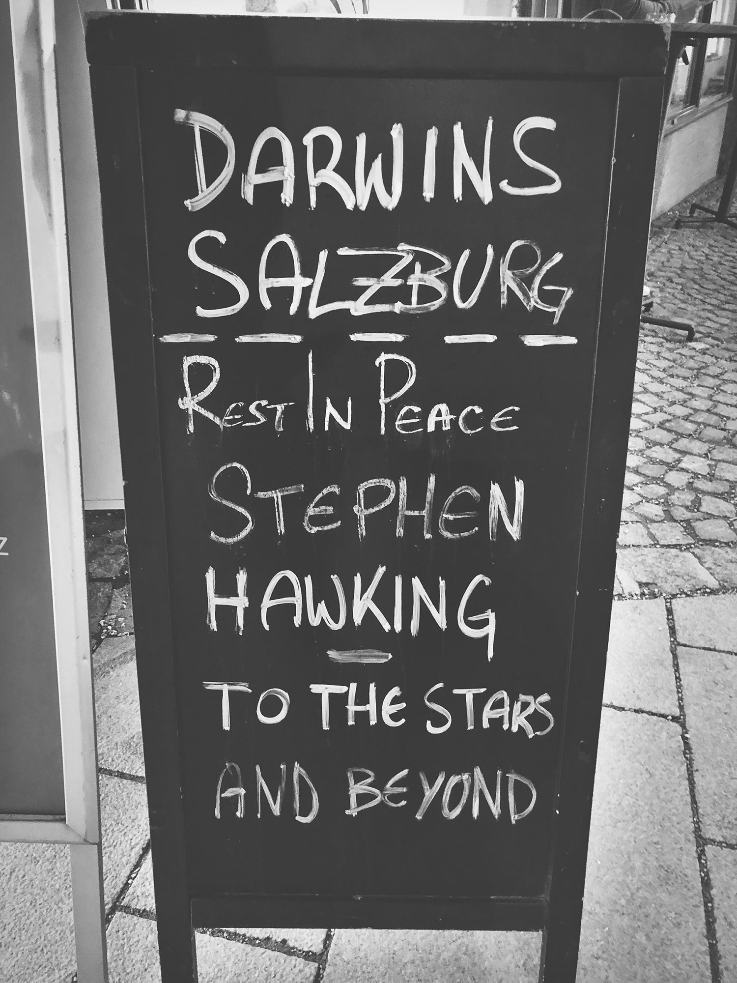 Darwins Salzburg: Rest in peace Stephen Hawking. To the stars and beyond.
